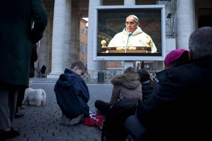 Jorge-Bergoglio-Vaticano-Cardenales-AP_CLAIMA20130314_0189_14